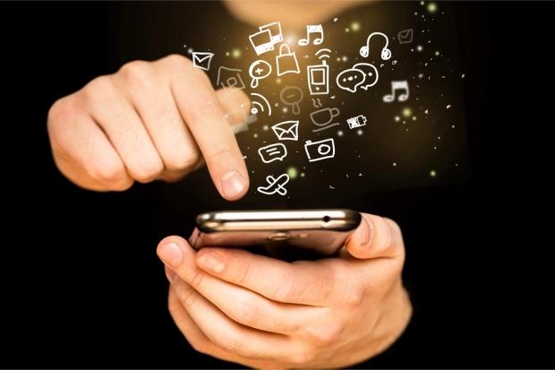 Apps_Mobile_Billion-Photos_shutterstock